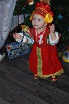 русская краса в новый год пришла