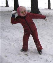 Игра в снежки -  отличная тренировка
