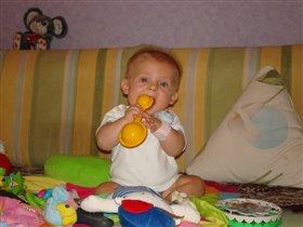 Погремушечка-моя игрушечка - дай Я тебя съем!!!!!