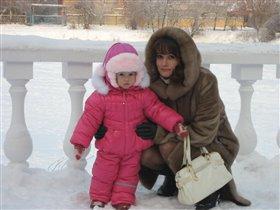 С дочкой на прогулке