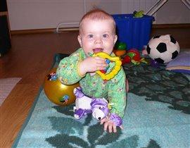 Любимая игрушка-колокольчик погремушка!