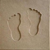 Коробка из папье-маше с паспарту, детские ножки