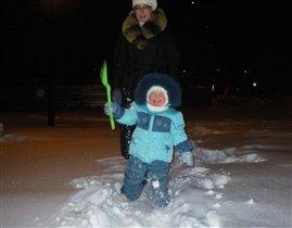 А снегу то намело!! Надо быстренько все почистить!