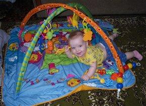 Мой любимый коврик с игрушками!!