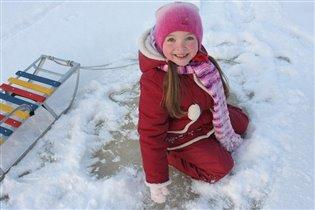Лёд нашла!Пора на коньках кататься!