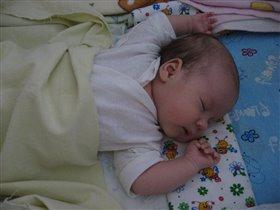 Маленький спящий ангел