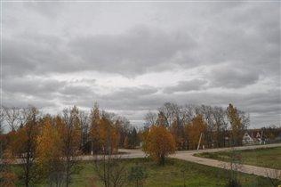 Осень-унылая пора! Вот такую осень вижу из окна!