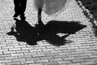 В будущее уходили двое лишь тени оставляя за собою