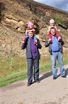 Прогулка с папой и дедом