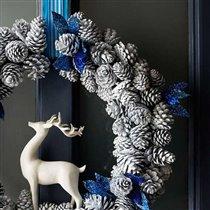 Красивые поделки из шишек для украшения дома