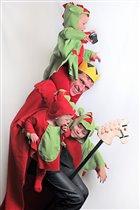 Папа-король изловил трехглавого дракона =))