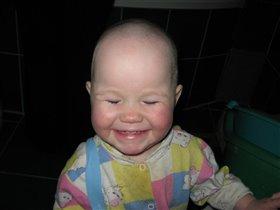 От улыбки станет всем светлей...)))