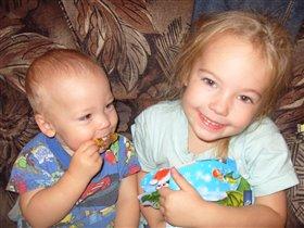 мои детки - сладкие конфетки!