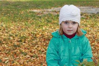 Листья желтые листья красные все летят,летят,летят