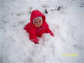 Первый снег в жизни!!! Какой мягкий и пушистый!!!