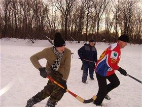 Хоккей в сугробах!!!