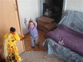 Озорница,непоседа наша доченька Малиша.
