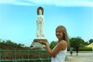 Статуя богини Гуаньинь в Санья/Китай