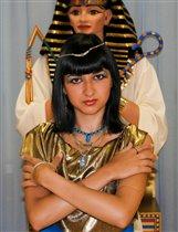 Украшая Клеопатру