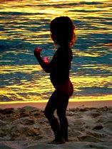 Золотые волны моря и заката...