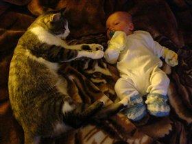 Соска,кот и я лучшие друзья!!!