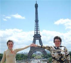 УРА! Мы в Париже!