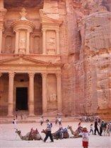 Чудо света-Петра,город высеченный в камне.Иордания
