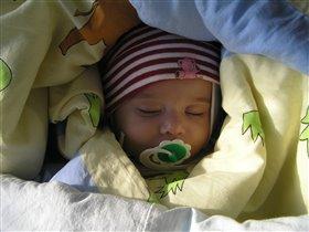 ангелочек  сладко, сладко спит)))