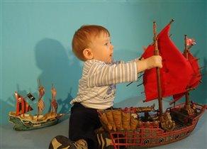 Артём - рыба  (11 мес.) с детства мечтает о море.
