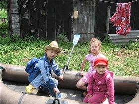 Наши малыши собрались на речку!