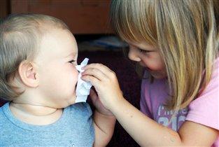 Вытру нос и поцелую, я сестру люблю любую!