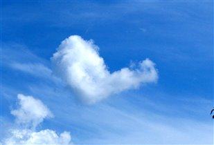 В небе витает ЛЮБОВЬ! :-)