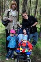 2 братишки и 2 сестрички - очень дружные детишки!