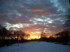 Закат в пол- неба.