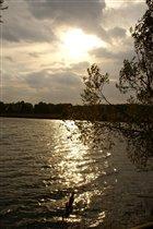 осеннее небо над водой