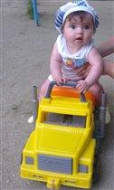 Мужичок с грузовичок!!!