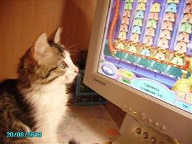 Я тоже люблю компьютерные игры!!! Мур-мур-мур!!!!
