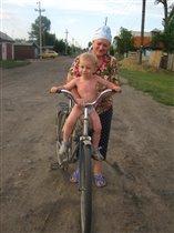 Бабушке за мной не угнаться!