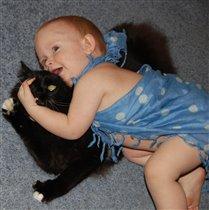 Мам, смотри! Я его поймала!!!!!!