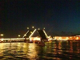 Ночной город . Мосты уже развели !