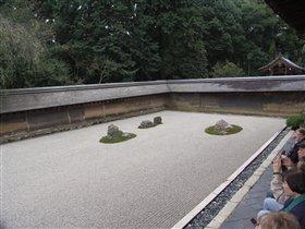 Сад камней Рёан-Дзи