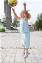 моя маленькая спортсменка Полинка.