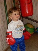 Данилушка -  маленький спортсмен! ( 11 месяцев)