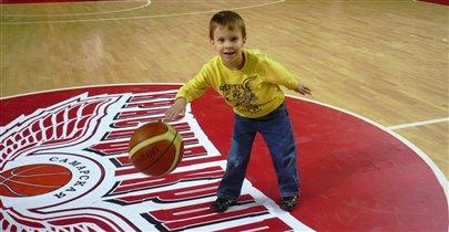 Юный баскетболист