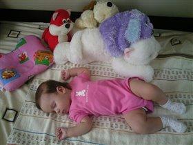 Спящий ангелок :)
