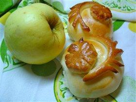 Просто пирожки с яблоками :-)