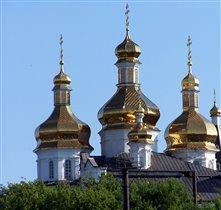 Тюмень.Золотые купола.Вид со стороны р.Тура