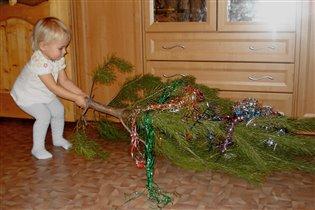 Большая елка маленькой Анюты