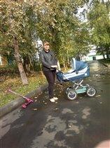 Я на прогулке с мамой!