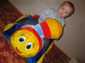 Наша любимая игрушка это мягкий паравозик!